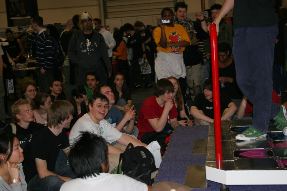 Dancefreak in Tournament Crowd